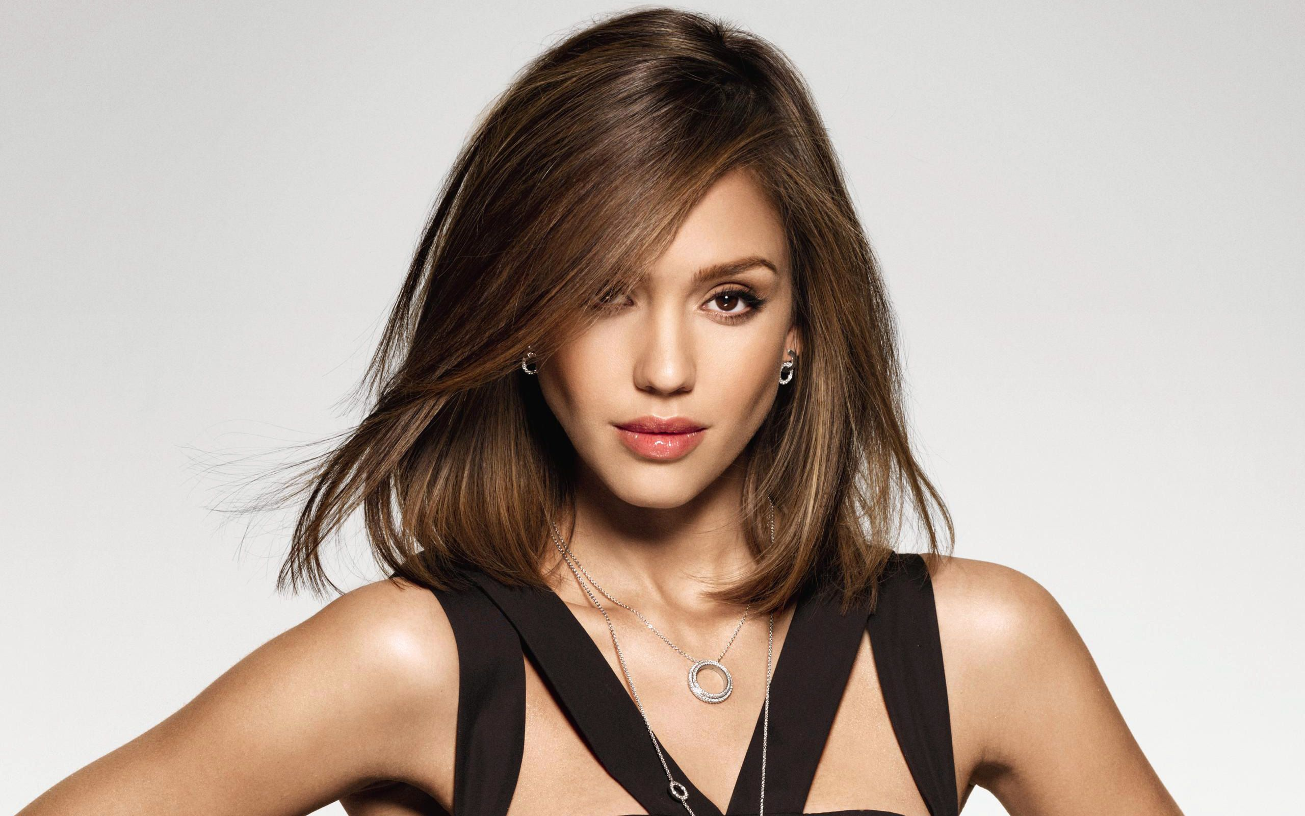 """Netflix's """"Trigger Warning"""" Release Date by Jessica Alba 