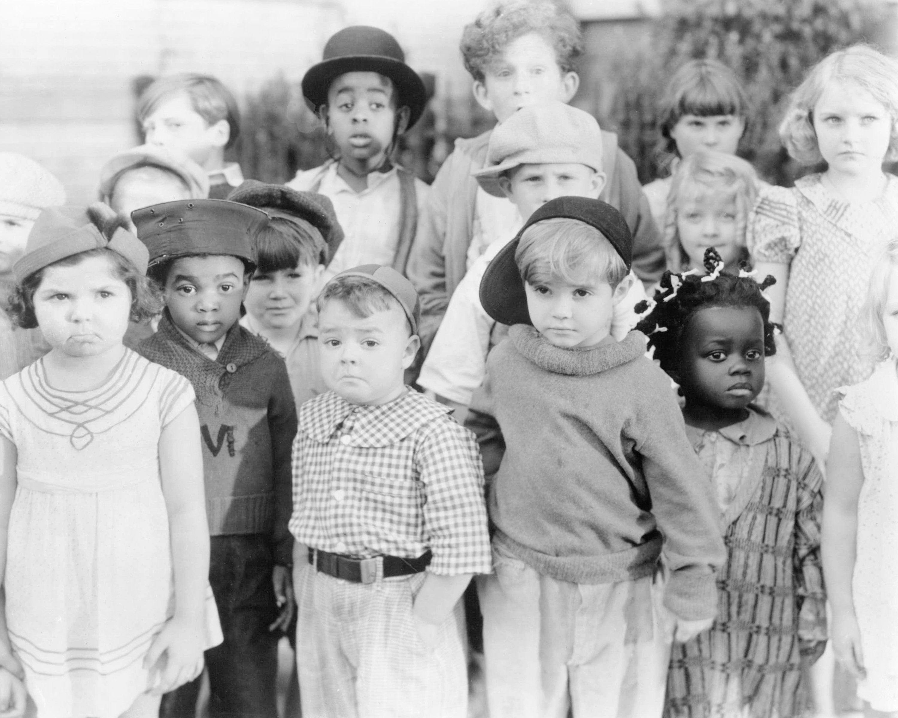 At far left is Eileen Bernstein and, from third left are George McFarland (1928 - 1993), Scotty Beckett (1929 - 1968) and Billie Thomas (1931 - 1980). Matthew Beard (1925 - 1981) | Source: Getty Images