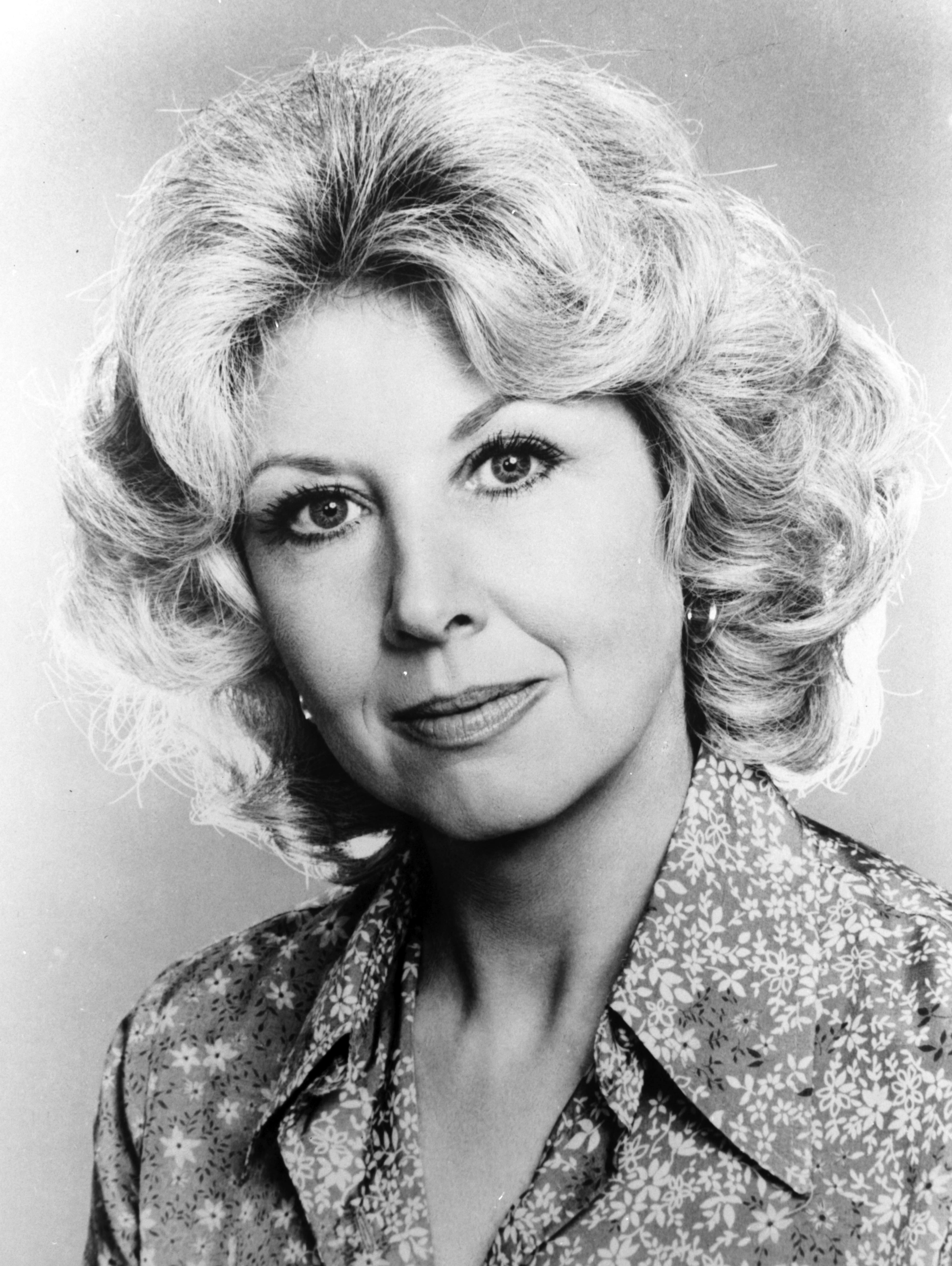 Michael Learned takes a portrait in the 1970s | Photo: Getty Images
