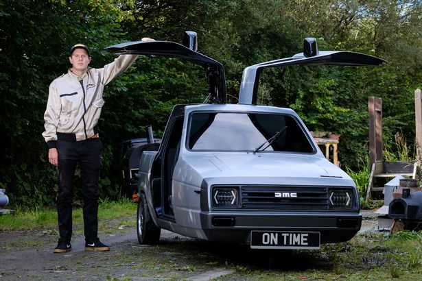 Man converting Reliant Robins into 'time-travelling car' from Back To The Future