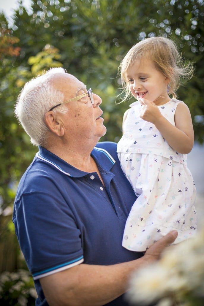 Lesley loved her grandfather | Source: Unsplash