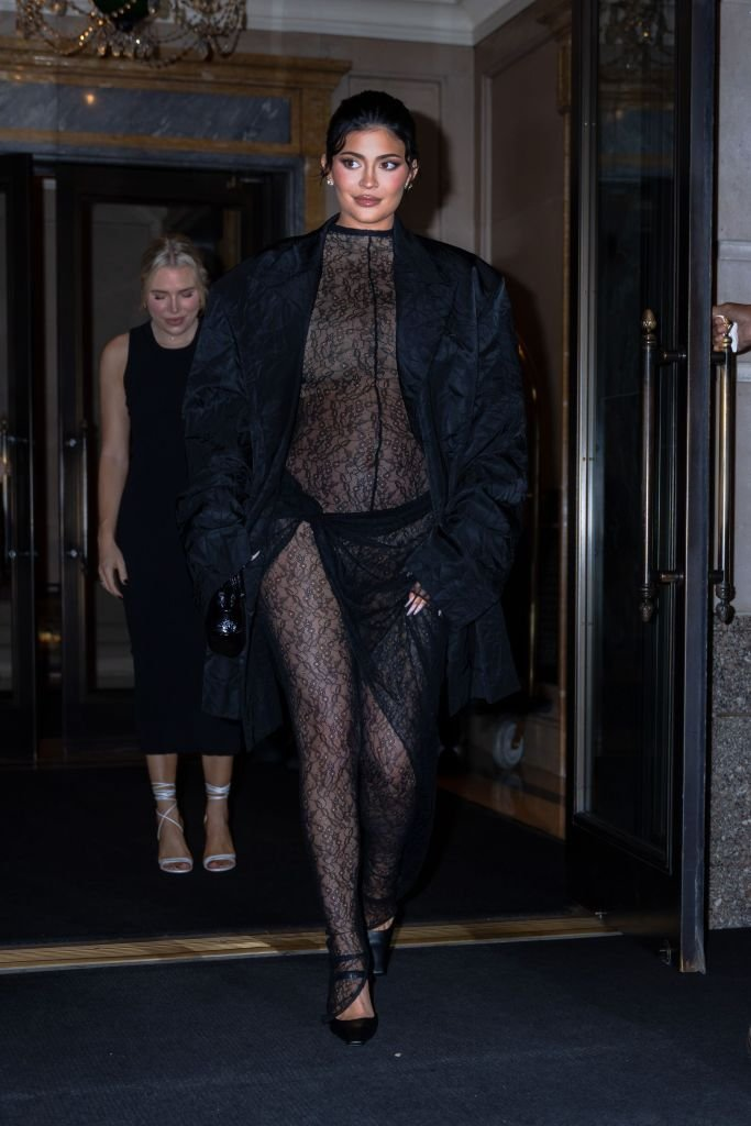 Kylie Jenner Flaunts Her Growing Baby Bump is Shown in a Stylish Crop Top Dress at NYFW