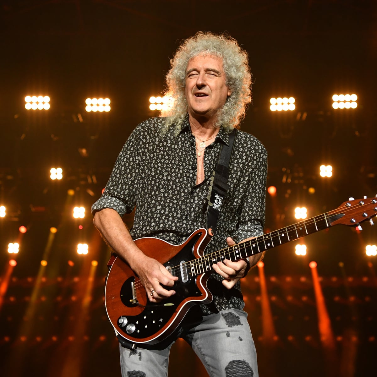 Brian May Queen guitarist helicopter landing on pitch Stopped Cricket match!