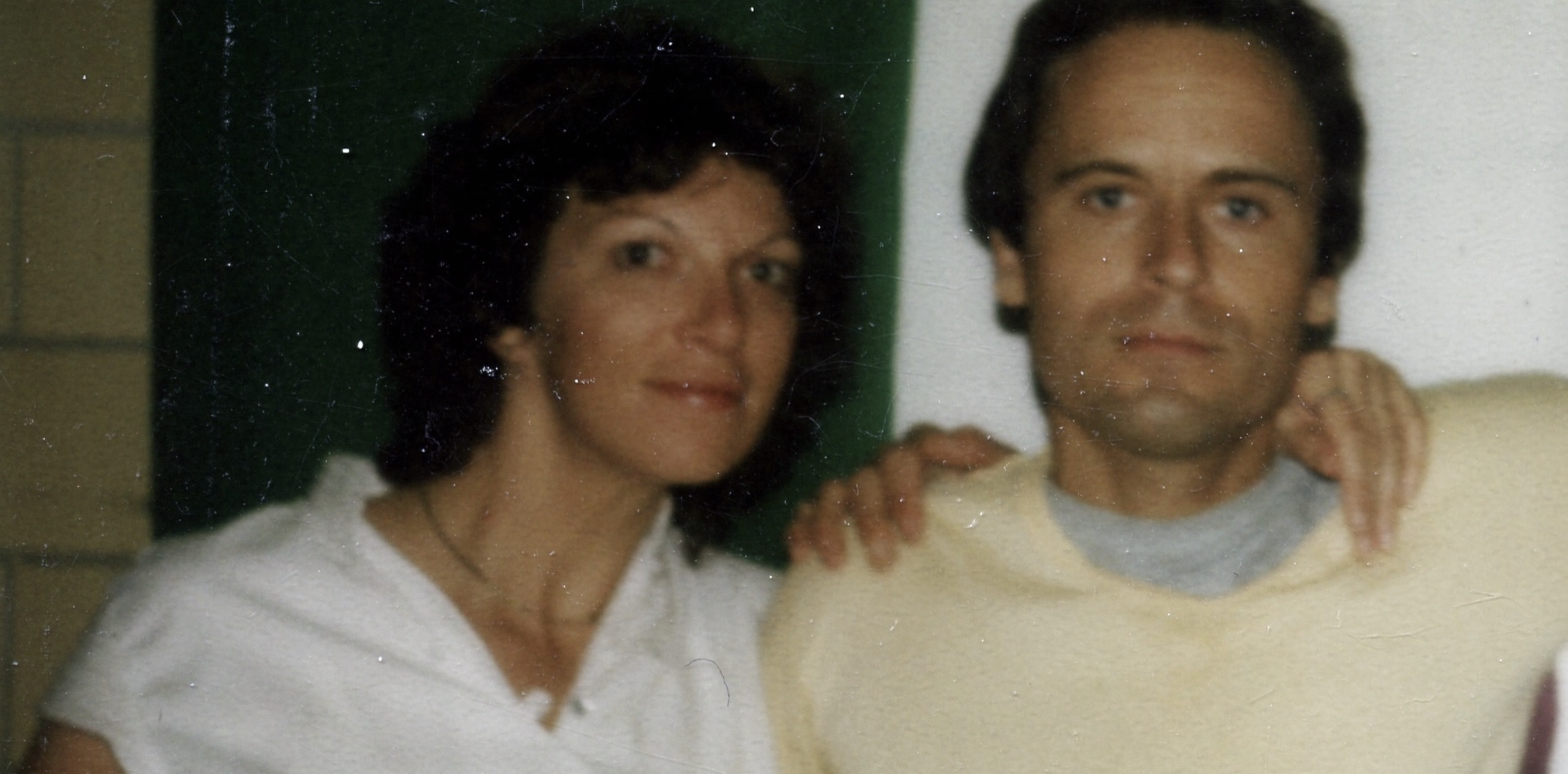 Ted Bundy Wife Carole Ann Boone Gave Birth to His Child a Year after His 3rd Death Sentence!