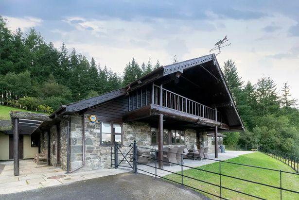 Rhosferig Lodge near the River Wye