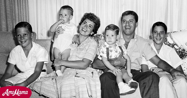 Image of Jerry Lewis, his first wife, Patti Palmer and their kids |