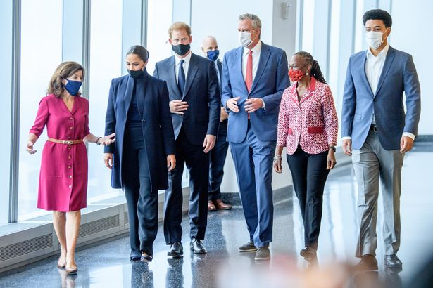 The Sussexes meet with New York mayor Bill de Blasio, Governor Kathy Hochul, Chirlane McCray, and Dante De Blasio at the One World observatory