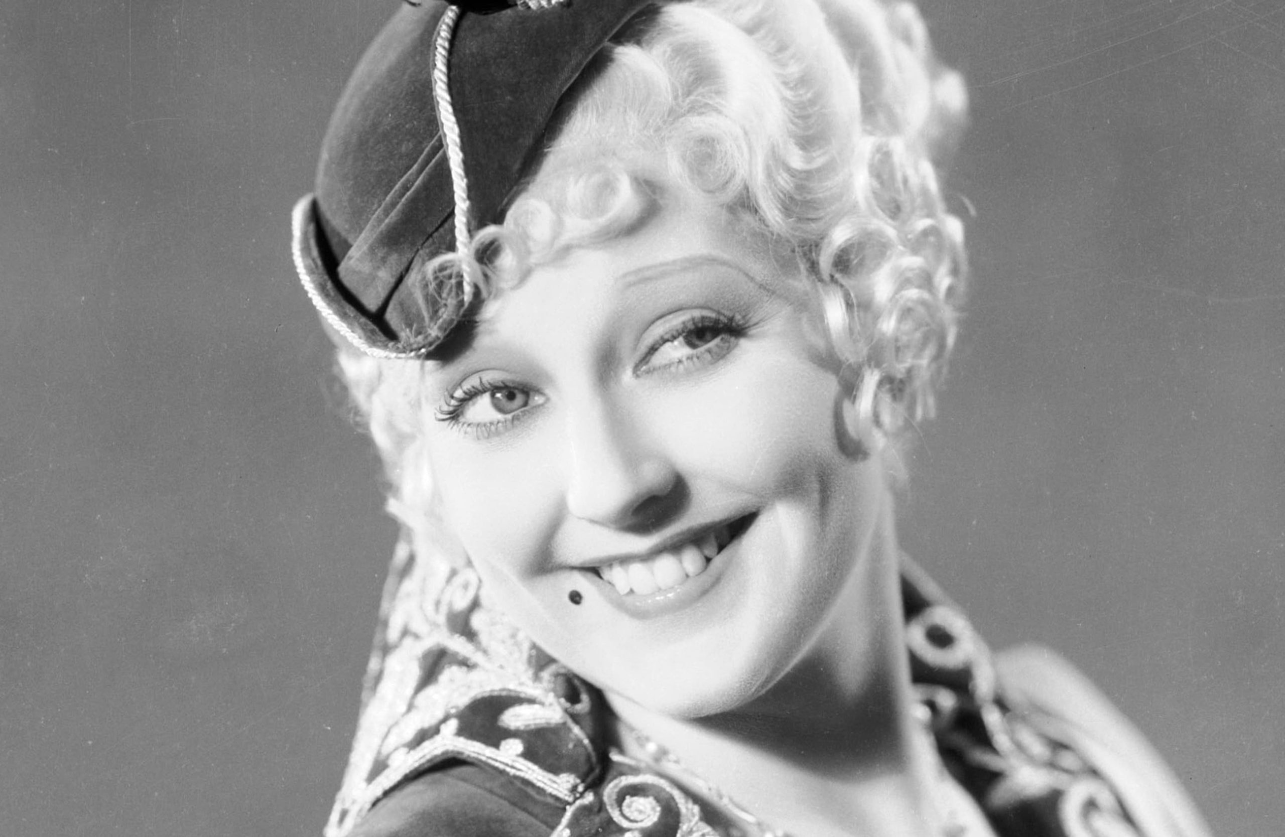 Thelma Todd Found Dead at 29 in Her Lover's Garage Unsolved Mystery of Her Death!