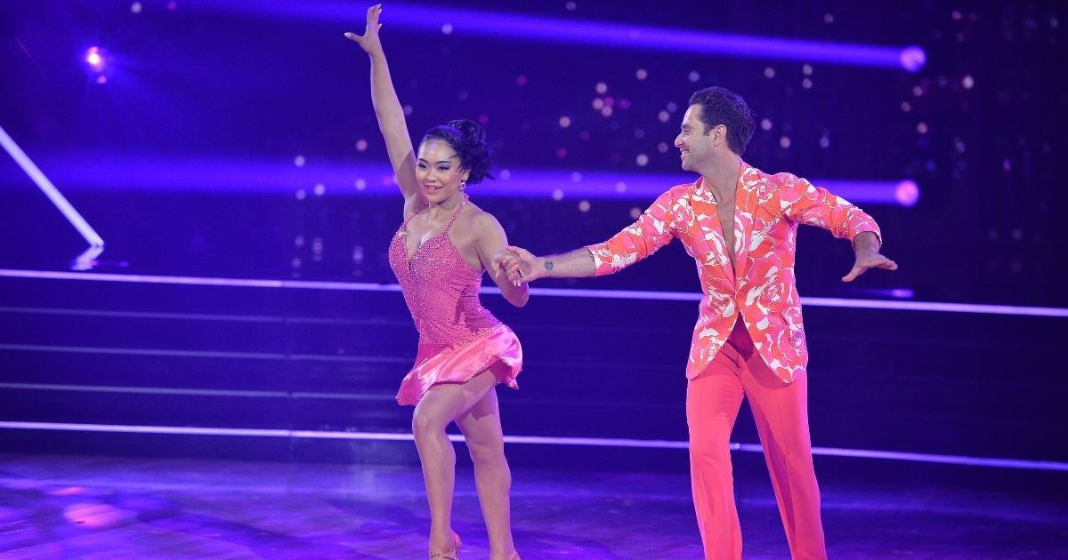 In during Season Premiere, Suni Lee and Sasha Farber rip up the dancefloor