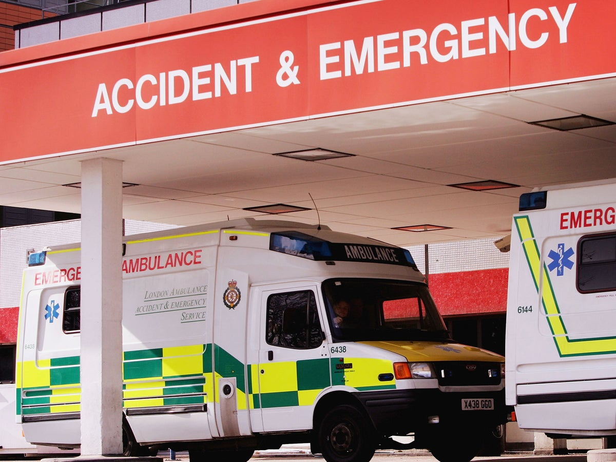 Pregnant Woman & Heart Attack Patient Were Forced To Wait Outside Hospital A&E