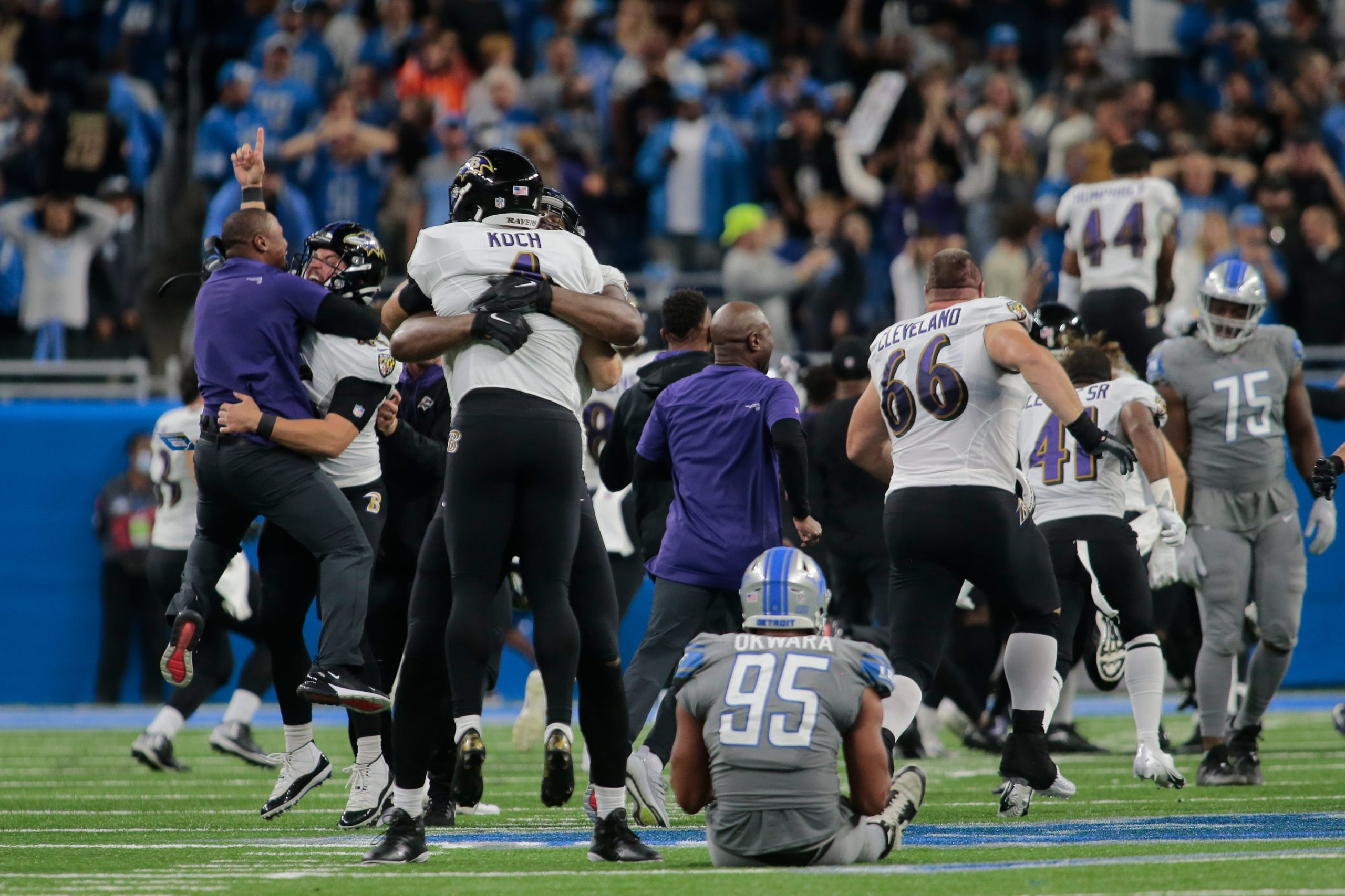 NFL Justin Tucker Record 66 yard Goal Leads Ravens to Wild Win!
