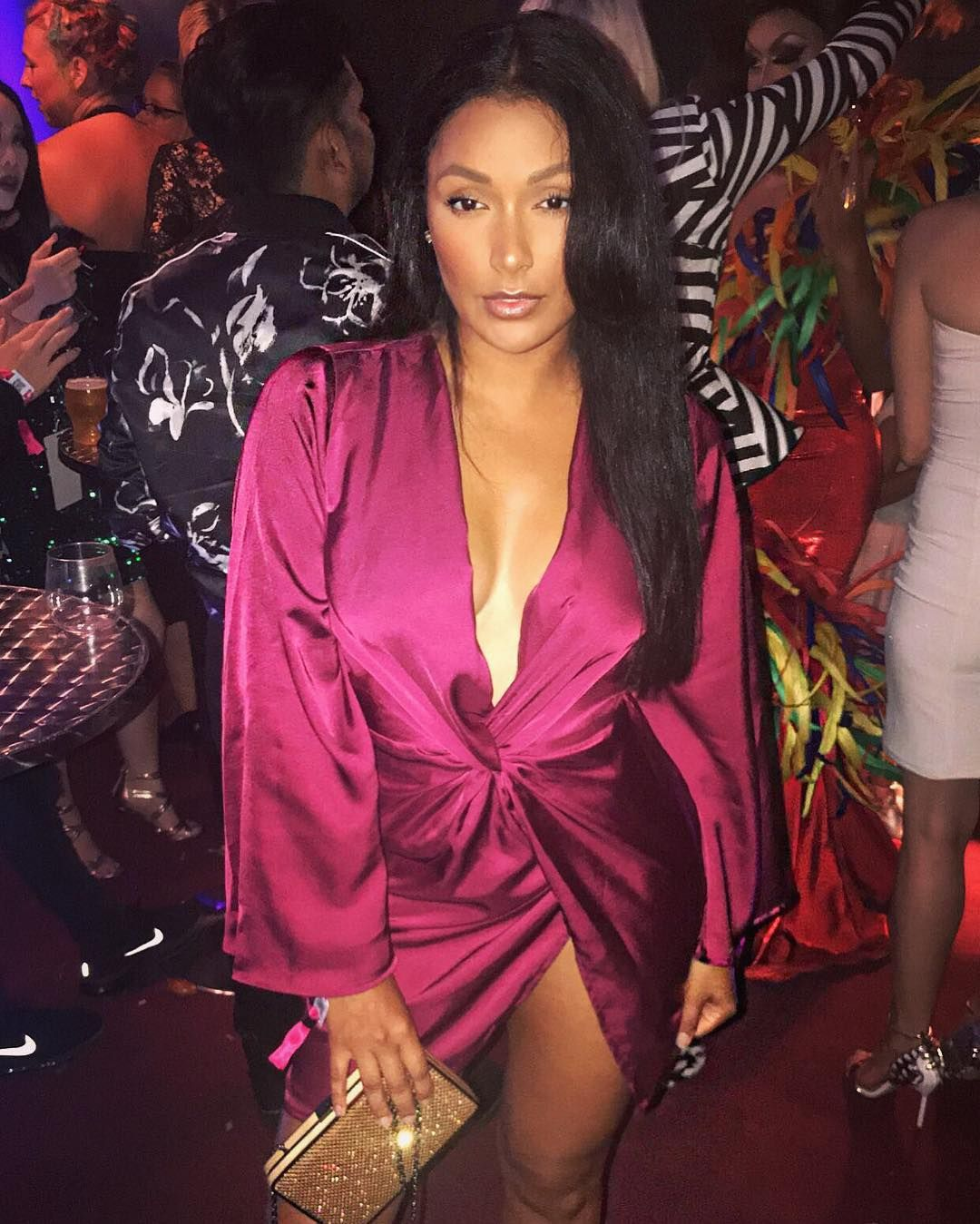 Nelly Girlfriend Shantel Jackson shows lot of skin in Stunning dress with high slit! Pics Here