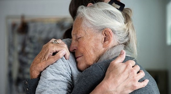 Heartbreaking Story Of How A Dementia Patient Left Letters For Her Daughter After Passing Away