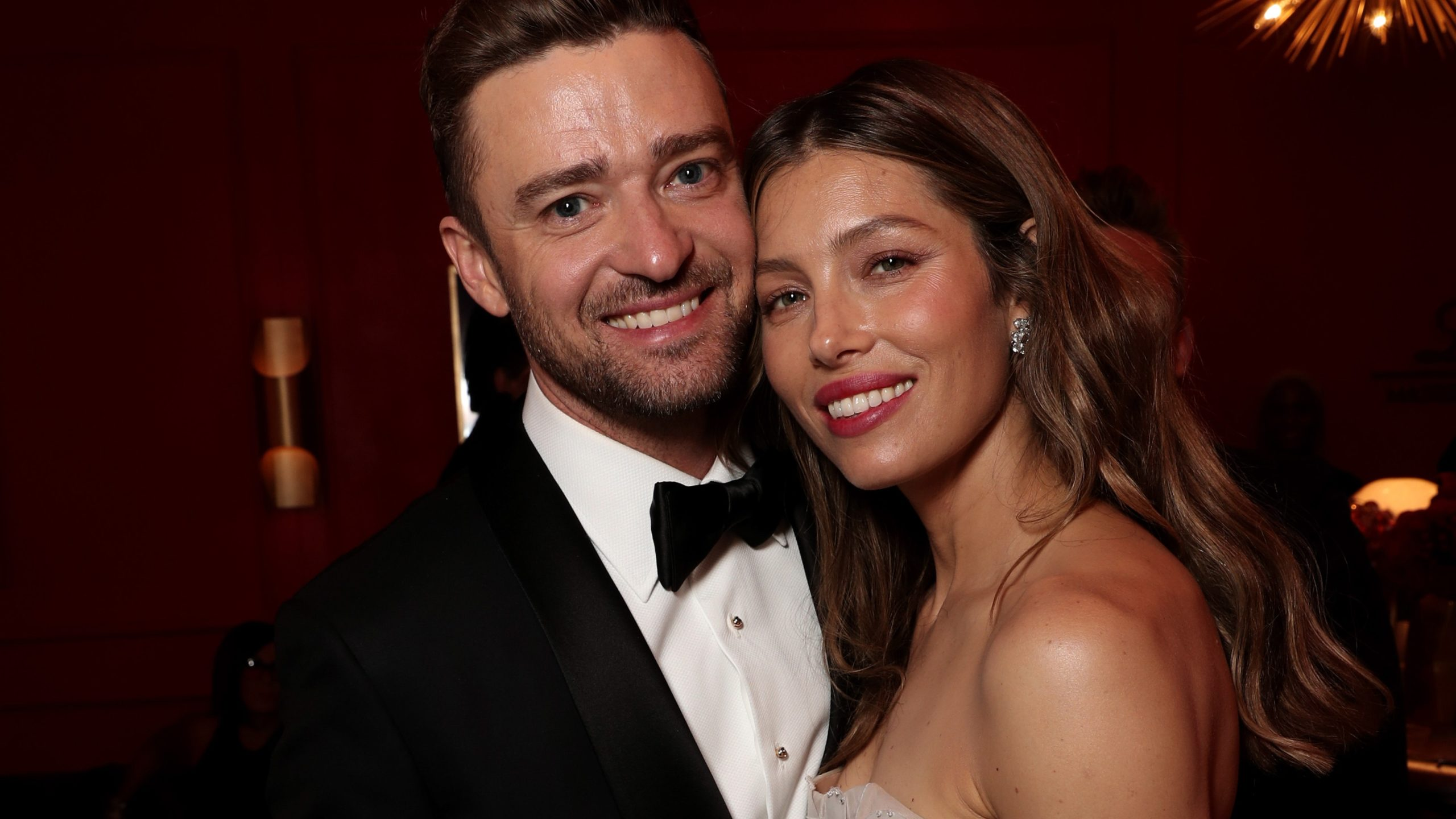 Justin Timberlake Banned By Girlfriend Jessica Biel from Working With Him After Making Cheating Allegations!