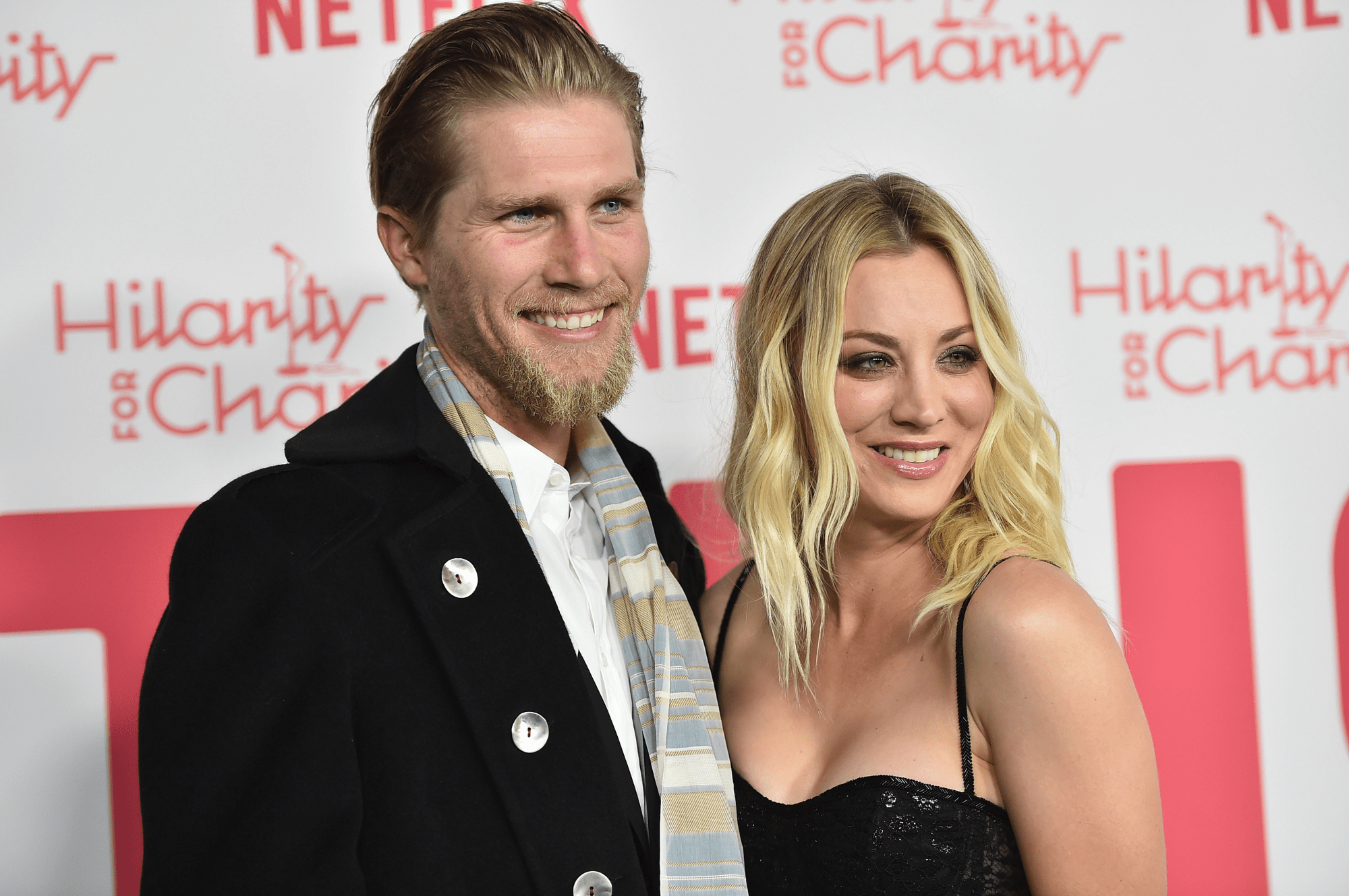 Kaley Cuoco And Karl Cook Divorce Actress Wows In Leggy Look Amid Divorce!