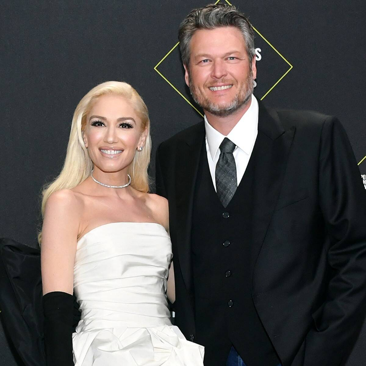 Blake Shelton Abandoned by Country Stars Nashville For Going Hollywood!