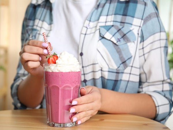 How to Make a Milkshake by Hand or in a Blender