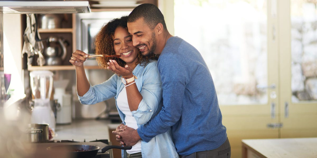 I've Gained Weight in My Relationship. How Do I Get It Under Control?