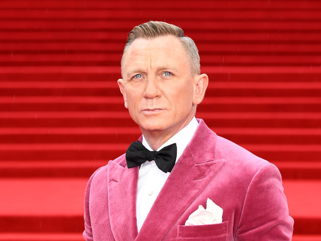 Ladies and Gentlemen, Daniel Craig just responded to becoming a Friday night meme