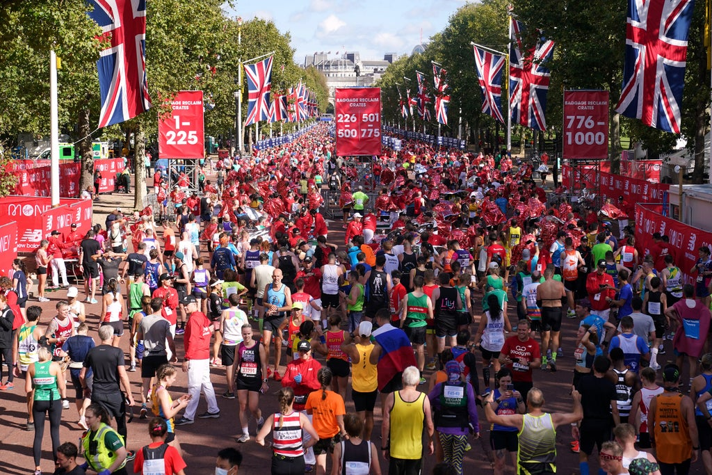 Sunshine and smiles as London Marathon returns