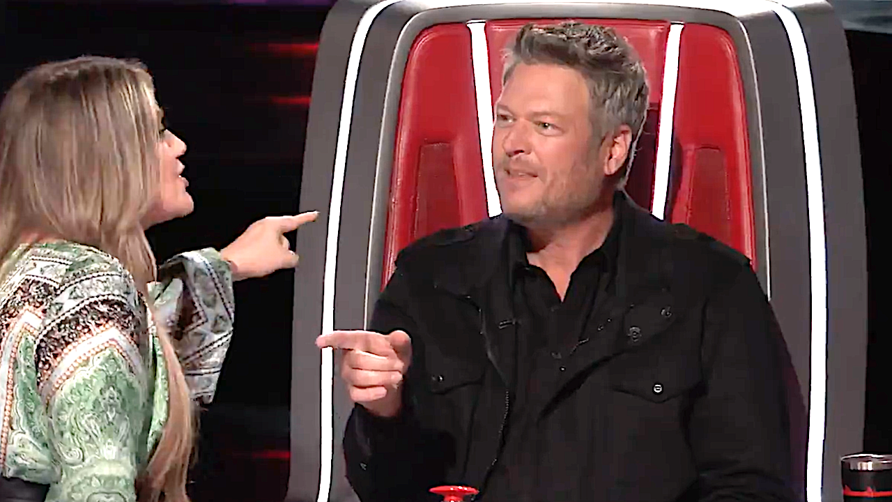 The Voice Fans Are Loving Kelly Clarkson And Blake Shelton's Feud, But Let's Agree One Change Needs To Happen The Voice Fans Are Loving Kelly Clarkson And Blake Shelton's Feud, But Let's Agree One Change Needs To Happen